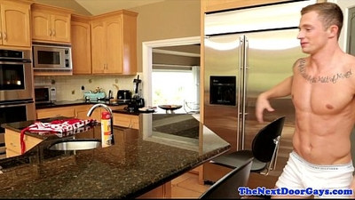 Amateur stud barebacks muscle ass in kitchen
