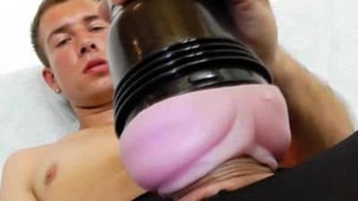 Gay dude masturbating in panty hose