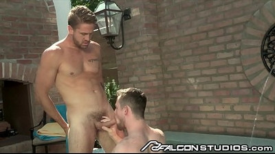 Shh..This Hunk Daddy Gave Me A Blowjob Let Me Cum On His Face