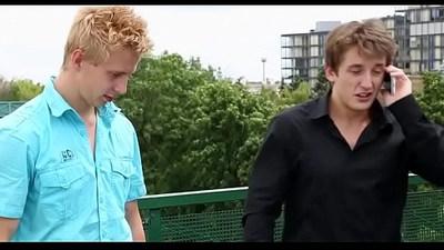 Smashing amateur scenes with amateur ambisexual partners